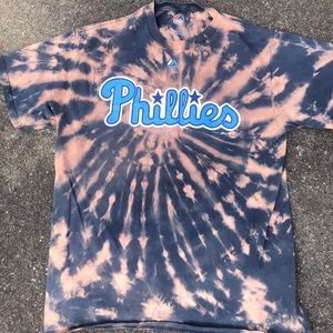 Phillies majestic T-shirt size large acid washed